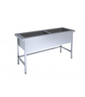 Ierāmēts galds ar dubulto vannu